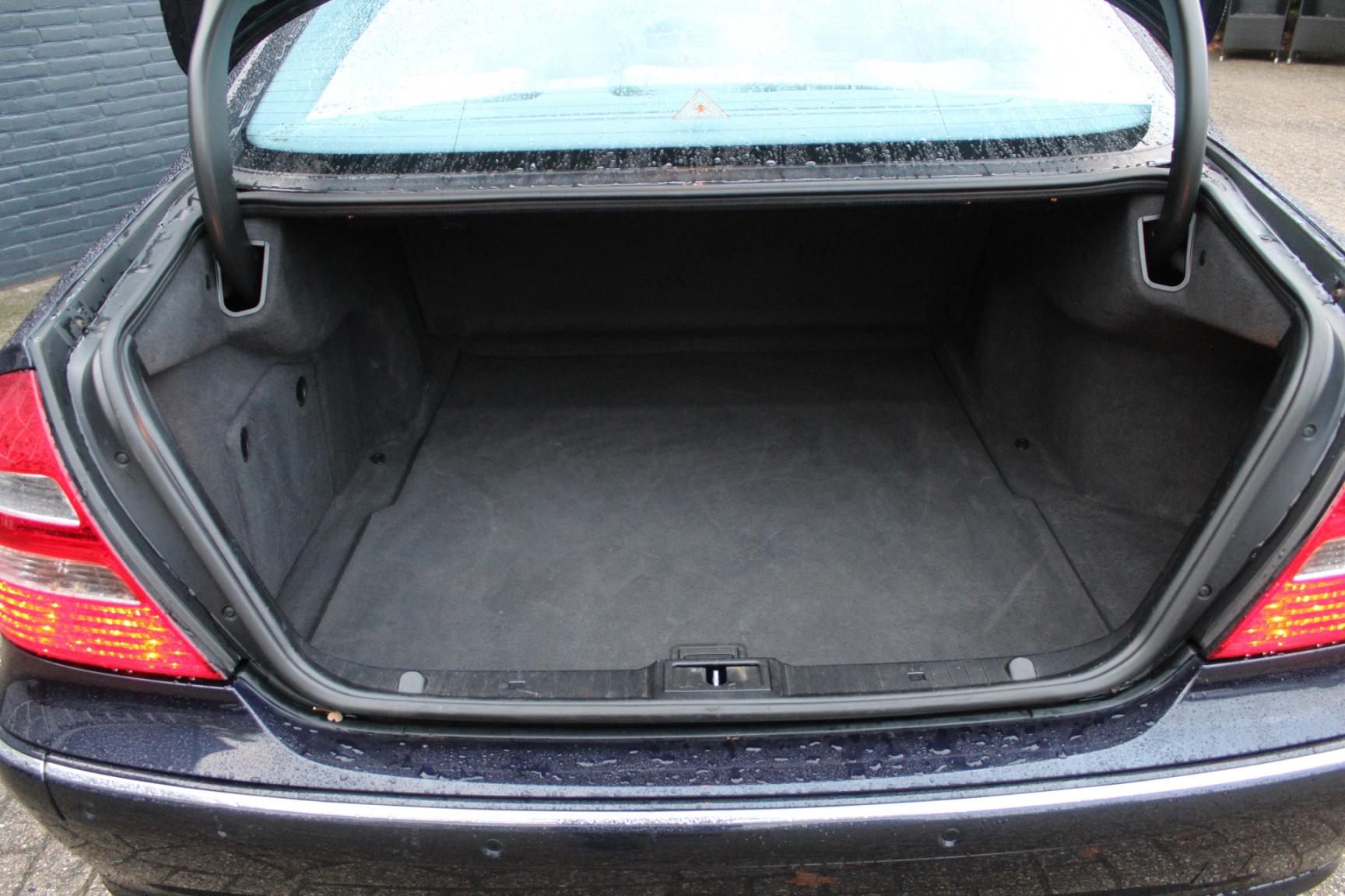 Mercedes-Benz-E-Klasse-34
