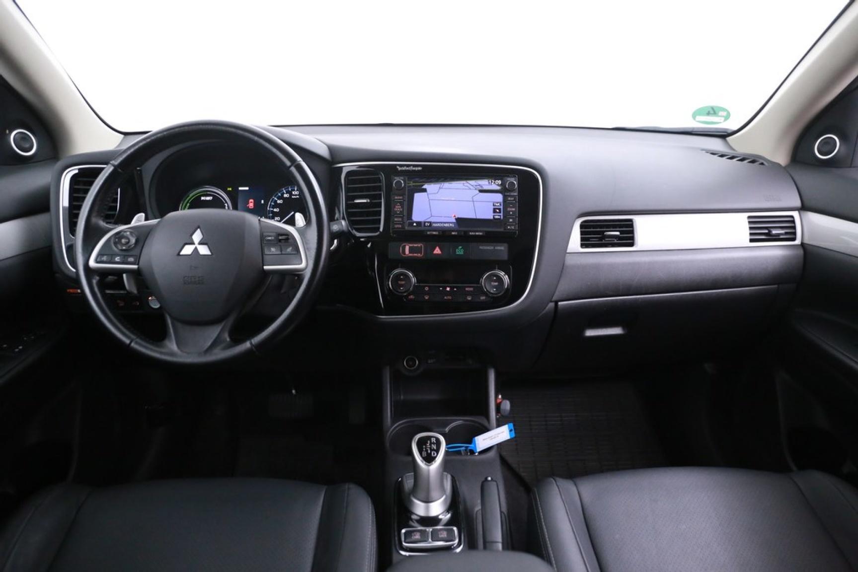 Mitsubishi-Outlander-6