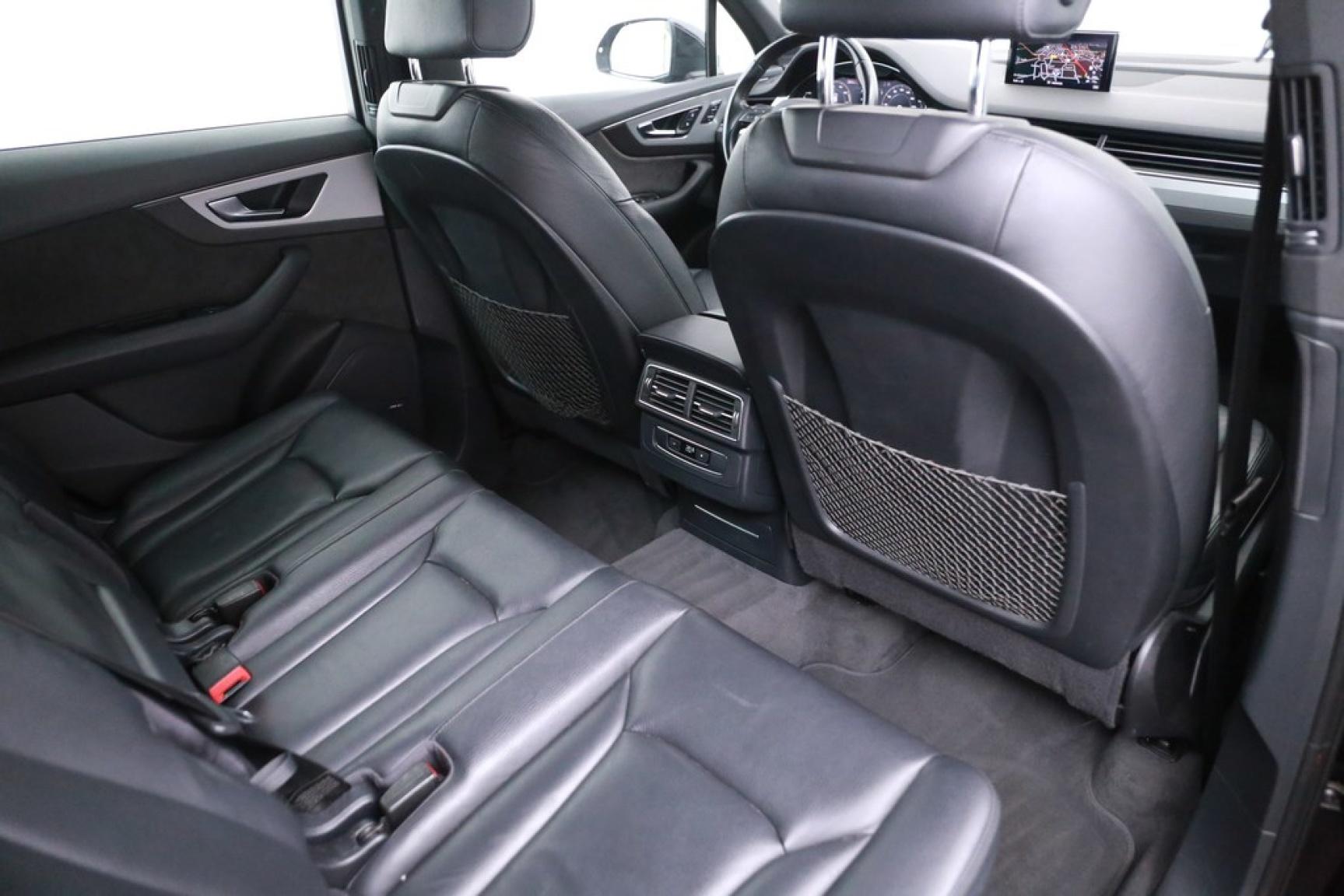 Audi-Q7-22