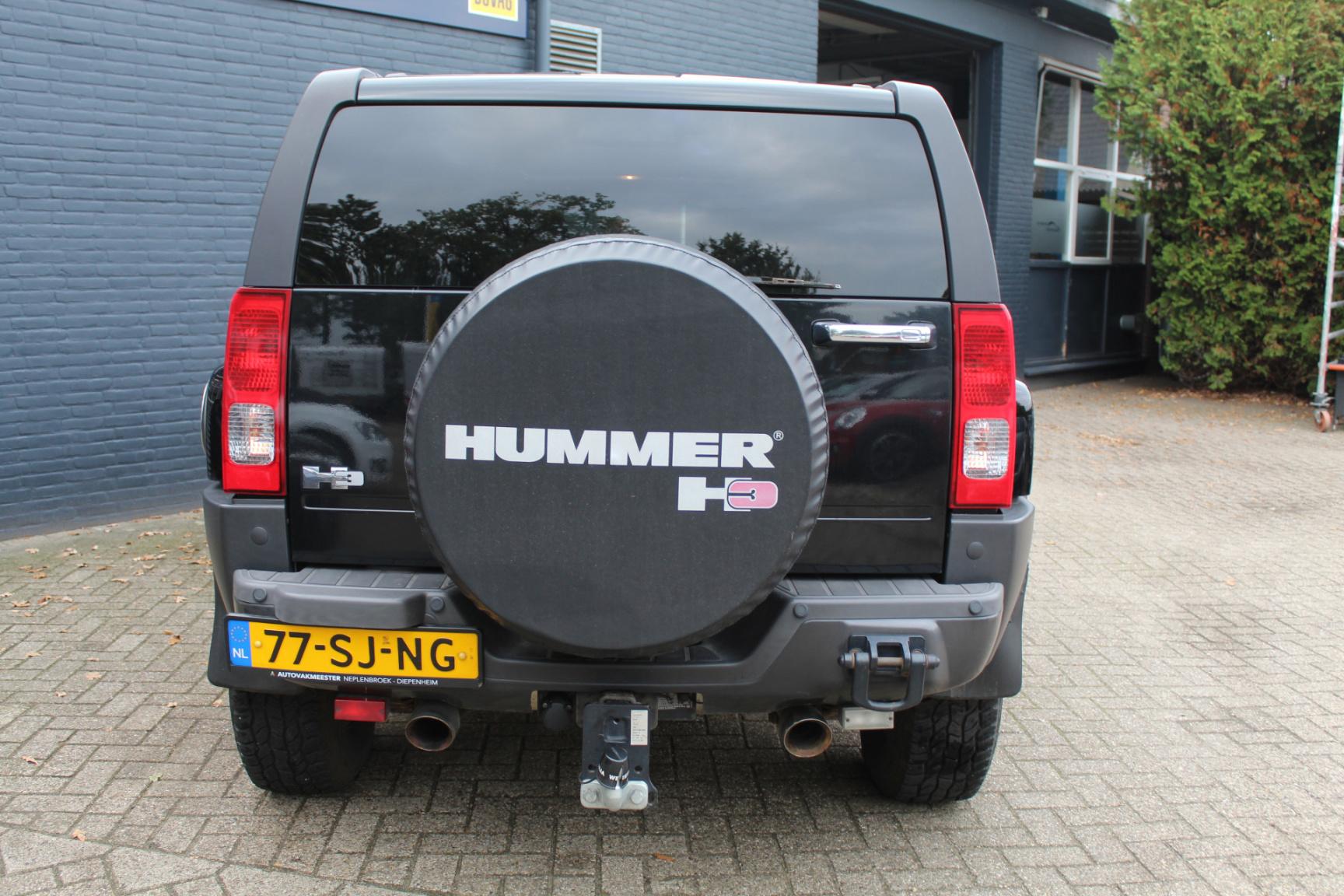 Hummer-H3-22
