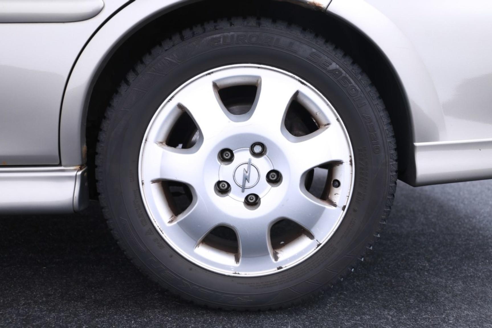 Opel-Vectra-13