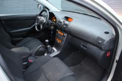 Toyota-Avensis-34