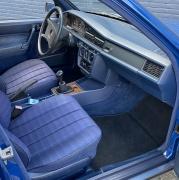 Mercedes-Benz-190-25