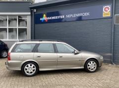 Opel-Vectra-3