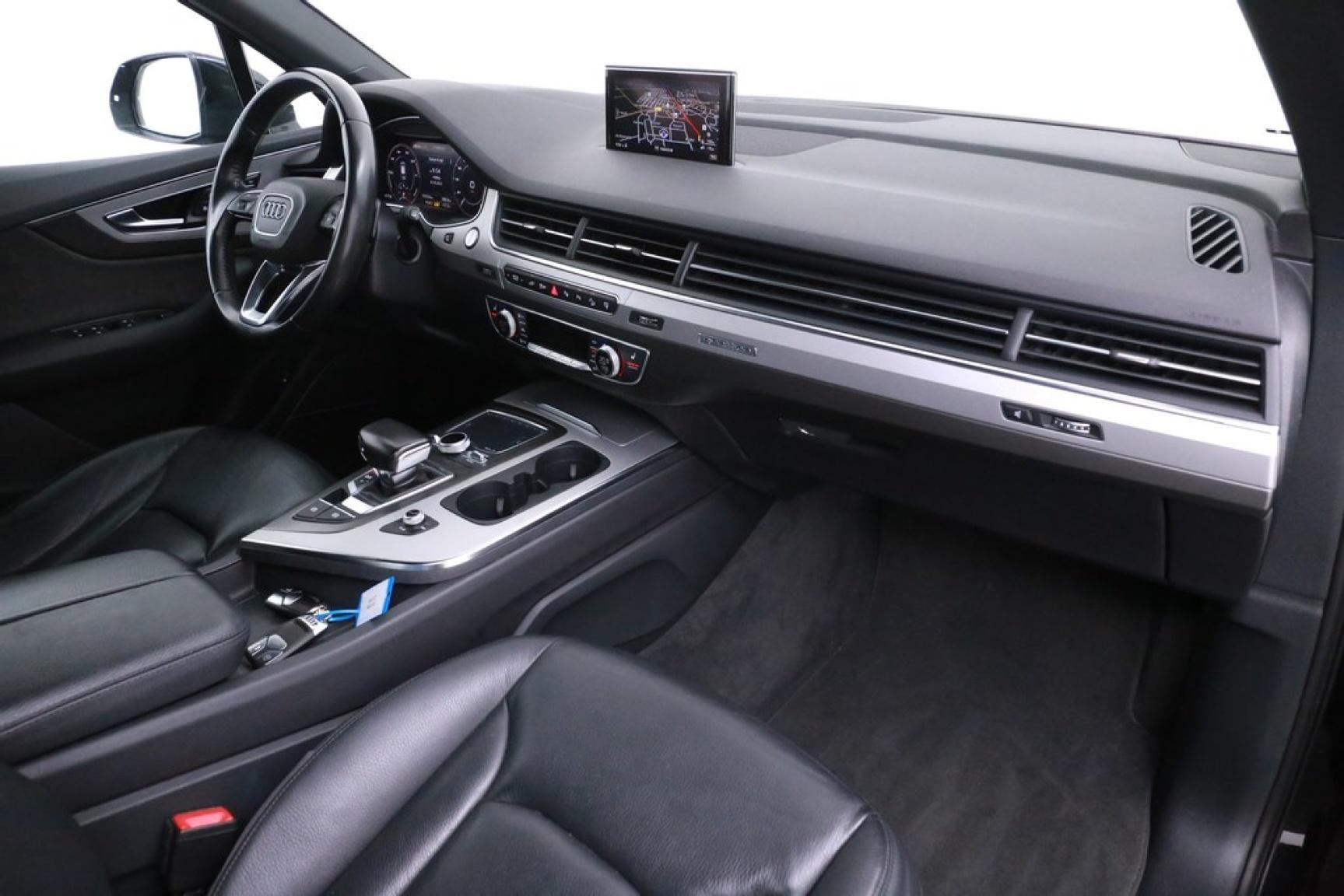 Audi-Q7-10