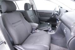 Toyota-Avensis-11