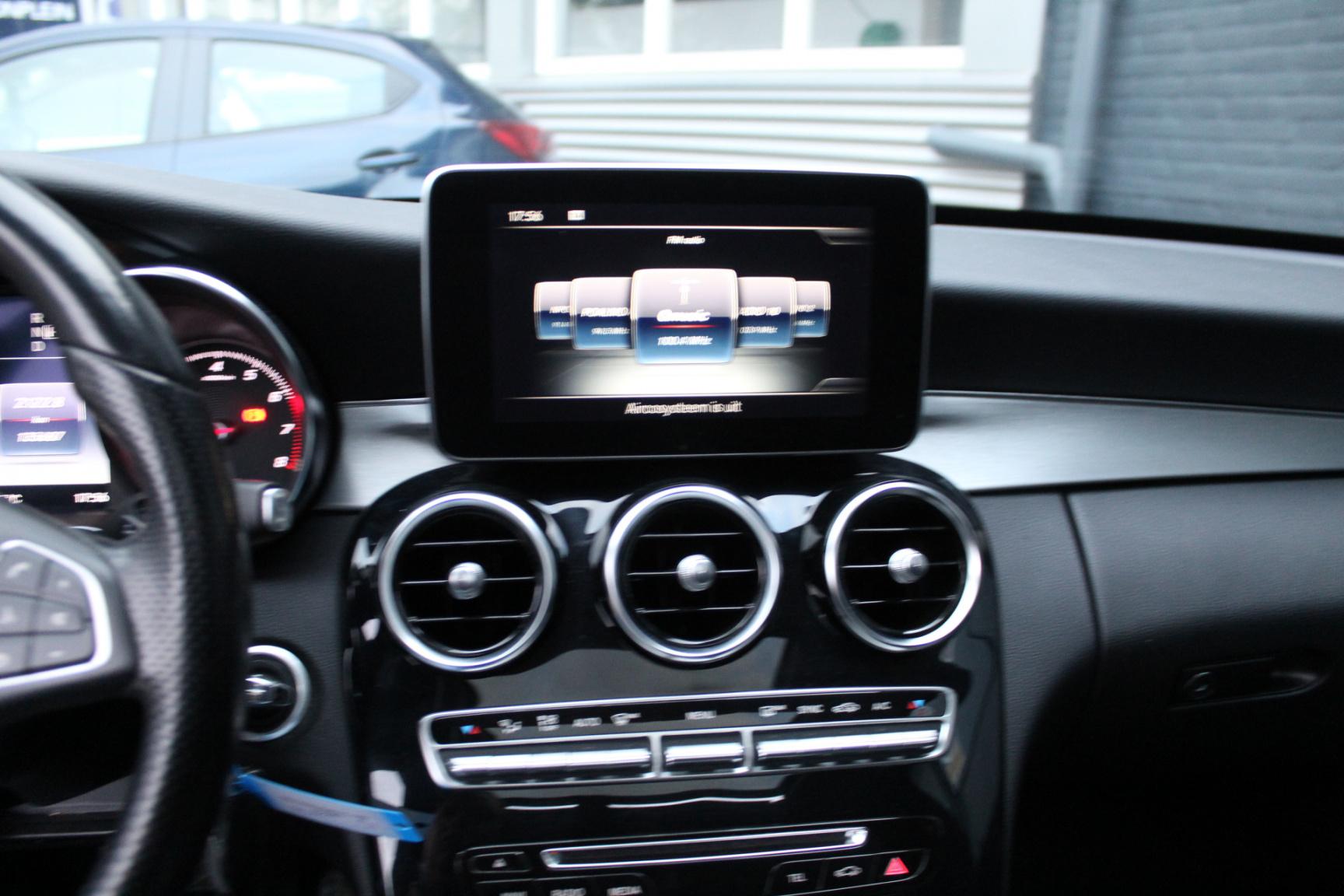 Mercedes-Benz-C-Klasse-40