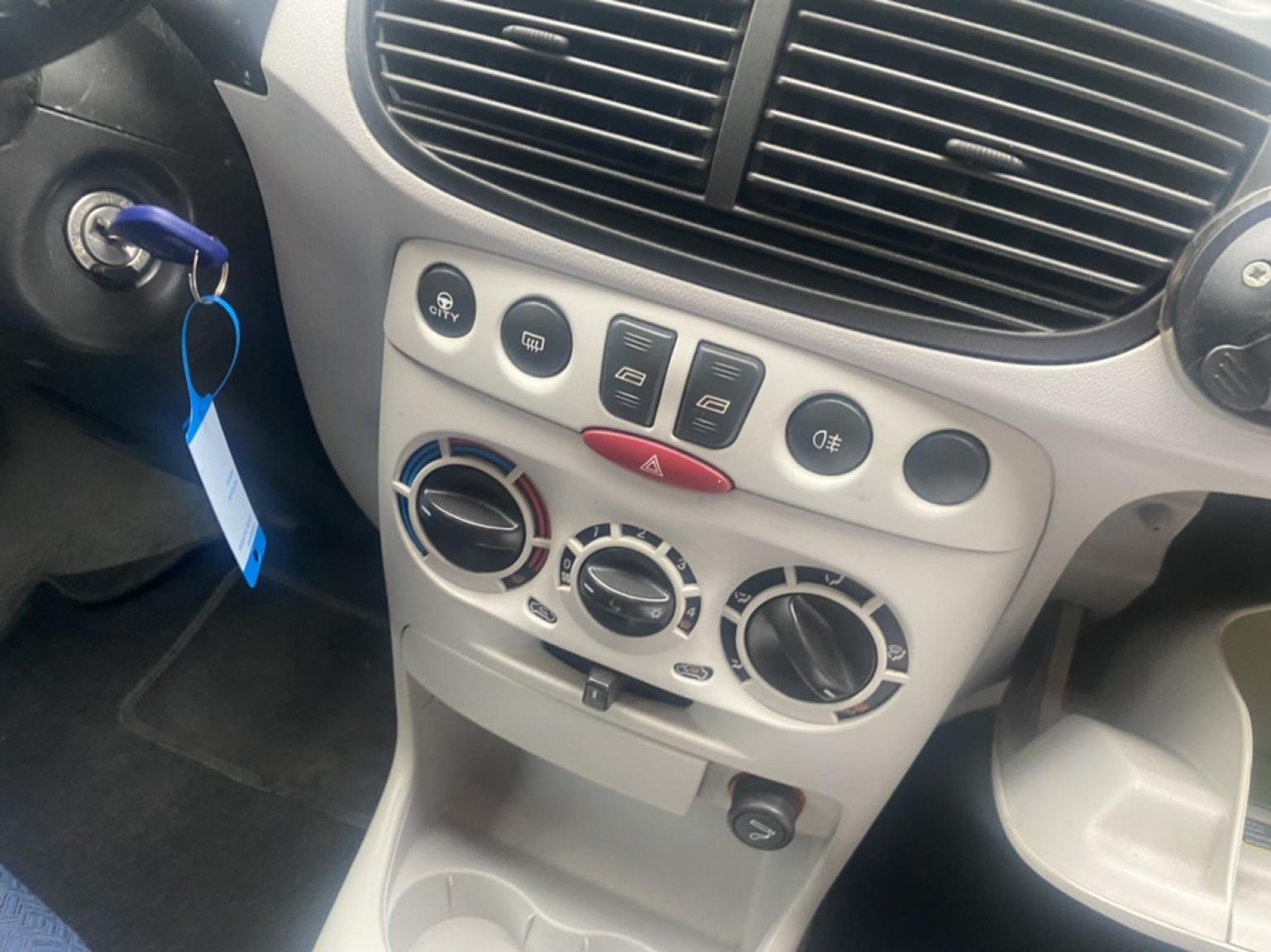 Fiat-Punto-9