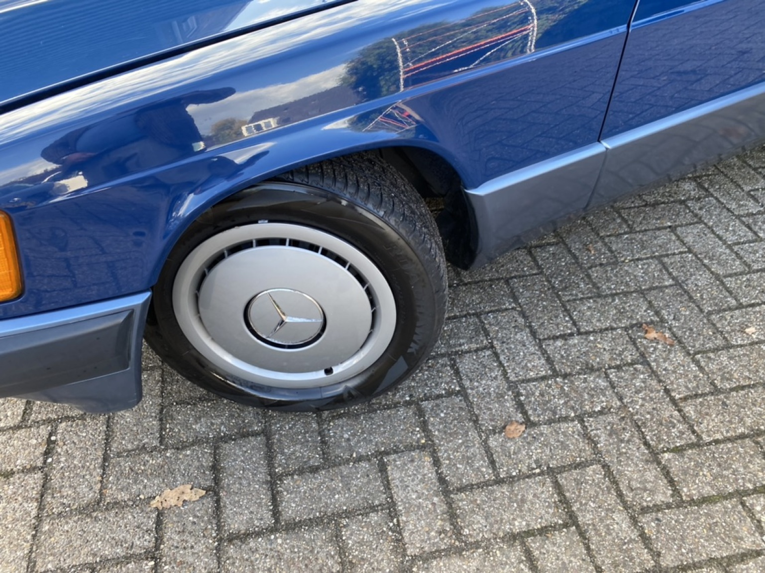 Mercedes-Benz-190-34