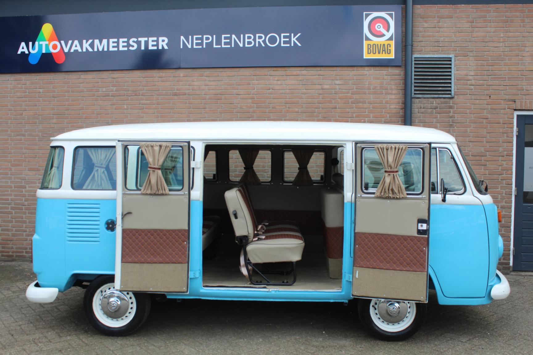 Volkswagen-Transporter-13