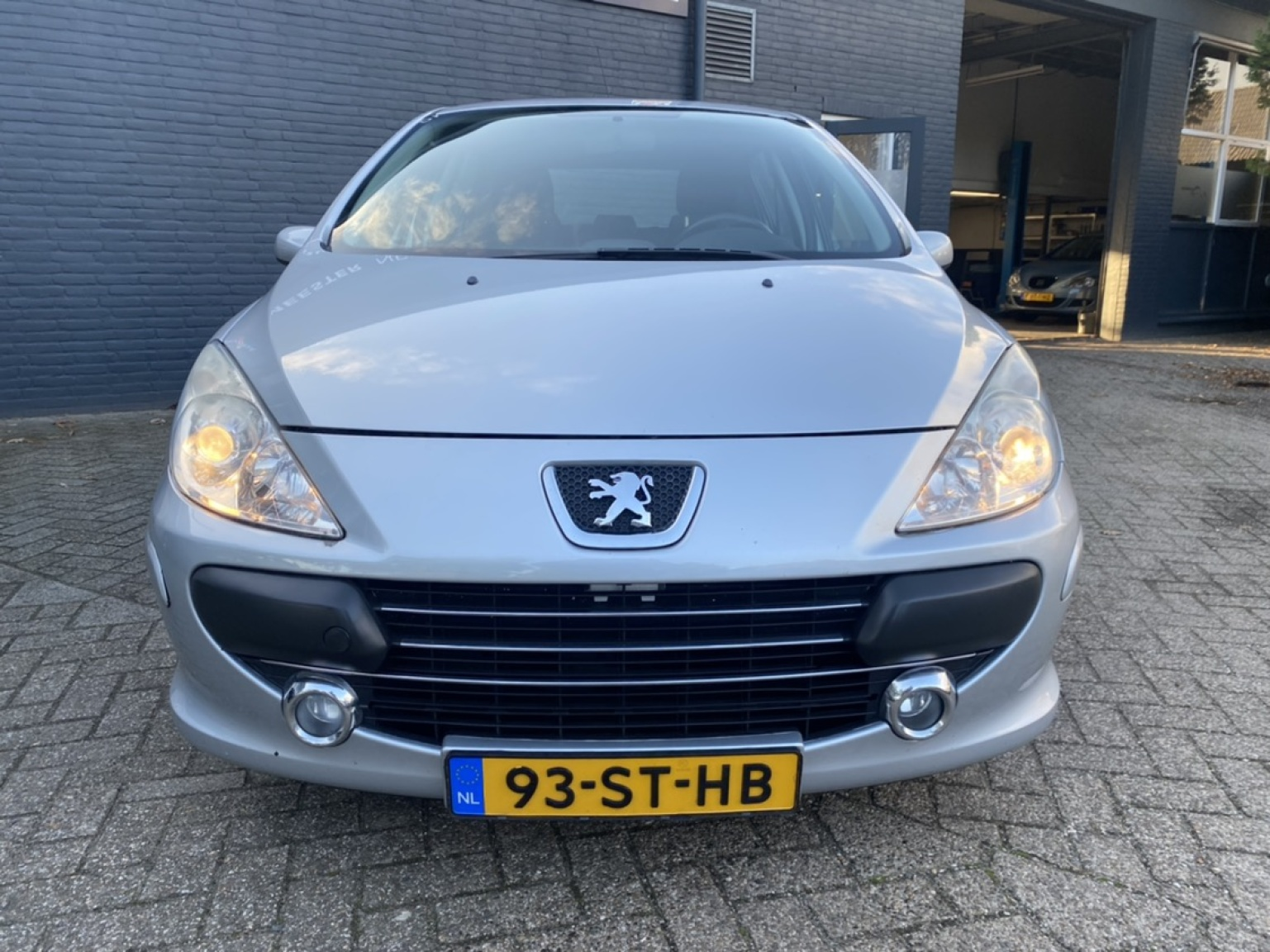Peugeot-307-4