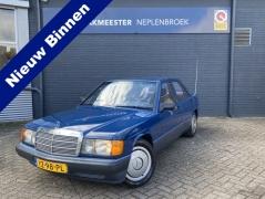 Mercedes-Benz-190-0