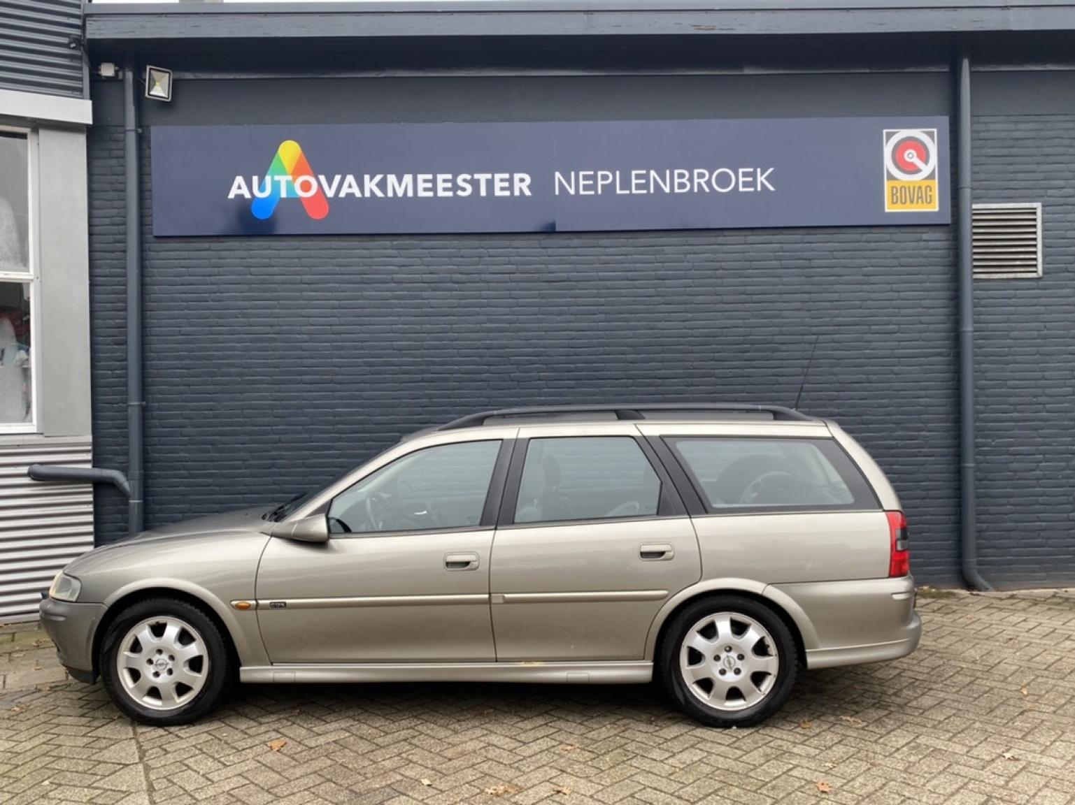 Opel-Vectra-2